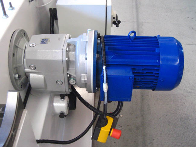 BS840 - With Geared Reducer giving 60–250 M/Min Range