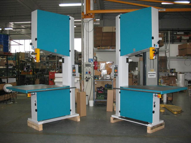 BS940 - Left and Right Hand Machines with Table Height 900mm